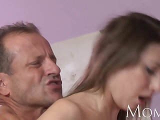 MOM MILF can not collar squirting when she cums