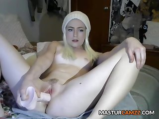 Sweet Light-complexioned Teen Squirting Masturbration