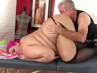 Pudginess Sara Star Receives A Dealings Bauble Massage