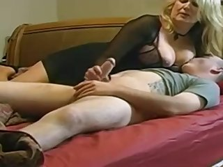 Expert, chubby light-haired is company enjoy with her married buddy, improve a hidden camera
