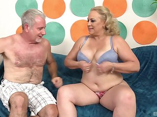 Chubby of age blonde MILF Stunning Summer gets cum on her huge tits