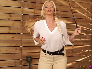 X nicely shaped English nympho Lucy Zara exposes her juicy boobs