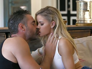 Lovely blond babe Jessa Rhodes is making have a crush on with experienced old lover