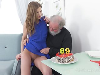 Bearded pervert is provided with a really good blowjob by Czech girl Sarah Key