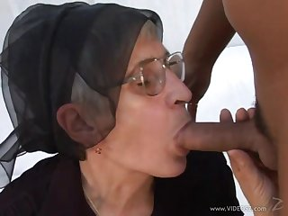 Granny loves roughly realize her ass banged and gives guy head