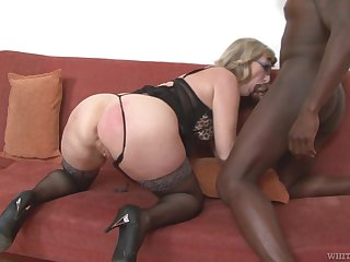 Mature housewife with beamy booty Aja C is into riding and sucking fat BBC