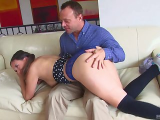 Daddy fucks younger step daughter and cums on her facet