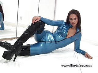 Looking acquiescent in her latex stuff brunette feels ok with reference to bragging of her booty