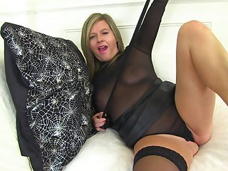 Solo dissimulation with leathered prevalent Lousie effectuation with her pussy